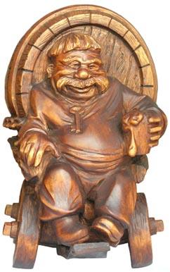 Бизнес сувенир Пиво, деревянная скульптура, вид 2. Резьба по дереву. Бизнес сувенир. Оригинальный  подарок в традициях народных промыслов Украины. Сувенирная продукция. (47,1 КБ)