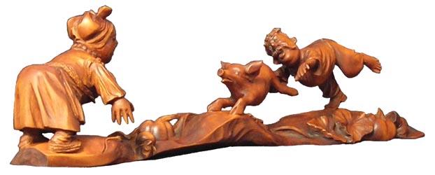 эксклюзивный подарок Поймали, деревянная скульптура, вид 1. Резьба по дереву. Сувенирная продукция. Оригинальный  подарок в традициях народных промыслов Украины. Бизнес сувенир. (46,6 КБ)