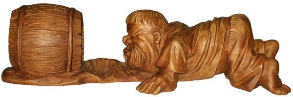 статуэтка Мужик и поросенок, деревянная скульптура, вид 1.Резьба по дереву. Бизнес сувенир. Оригинальный  подарок в традициях народных промыслов Украины. Сувенирная продукция. (89,7 КБ)