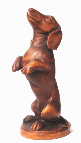статуэтка Такса, деревянная скульптура, вид 2. Резьба по дереву. Бизнес сувенир. Оригинальный  подарок в традициях народных промыслов Украины. Сувенирная продукция. (53,6 КБ)